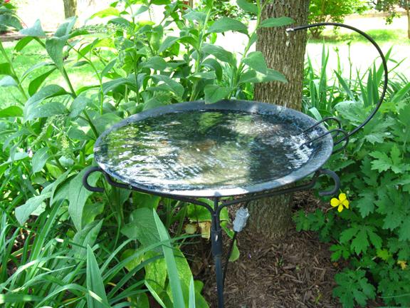 Dripping water birdbath