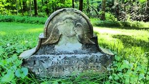 headstone I